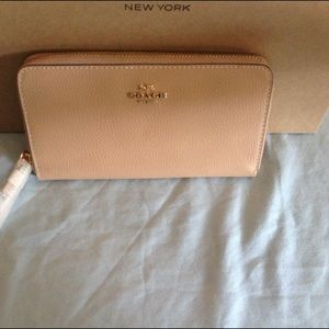 COACH PEBBLED LEATHER WALLET/ CLOSET CLOSING